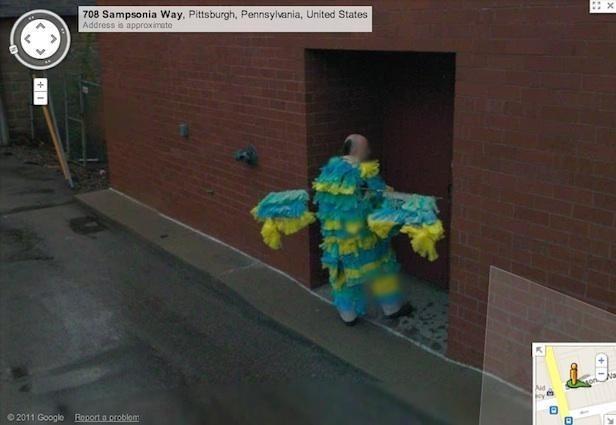 Uomo uccello su google maps