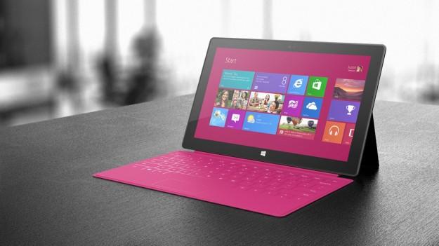 Microsoft Surface Pro con tastiera rosa