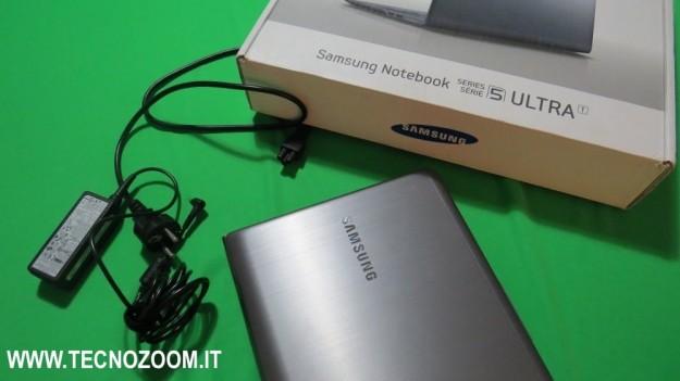 Confezione acquisto di Samsung Series 5 Ultra