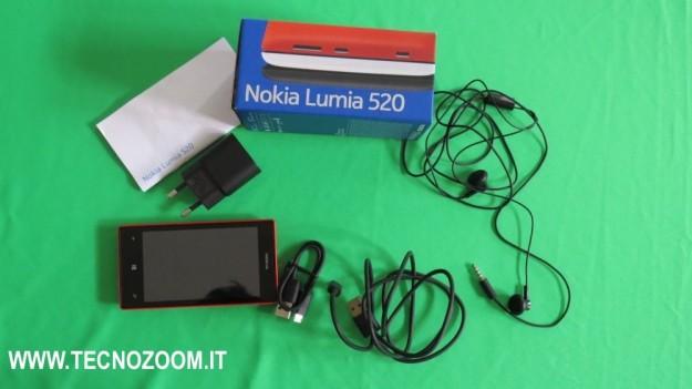 Nokia Lumia 520 interno confezione acquisto