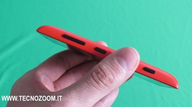 Nokia Lumia 520 lato destro