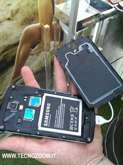 Samsung Galaxy S4 Active aperto