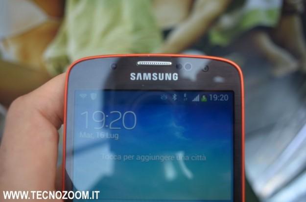 Samsung Galaxy S4 Active parte superiore