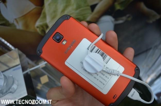 Samsung Galaxy S4 retro