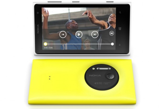 iPhone 5 vs Nokia Lumia 1020