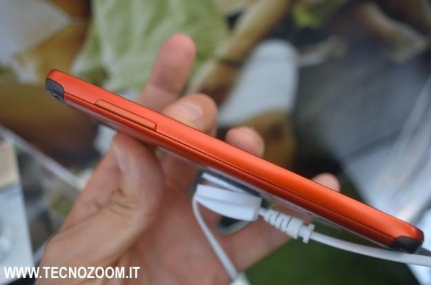 Samsung Galaxy S4 Active rosso