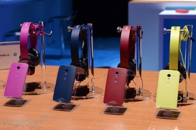 Colorazioni e cuffie di Moto X