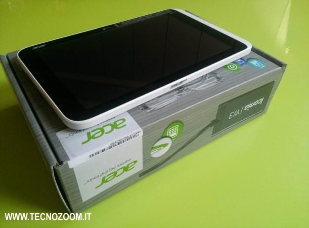 Acer Iconia W3 e confezione