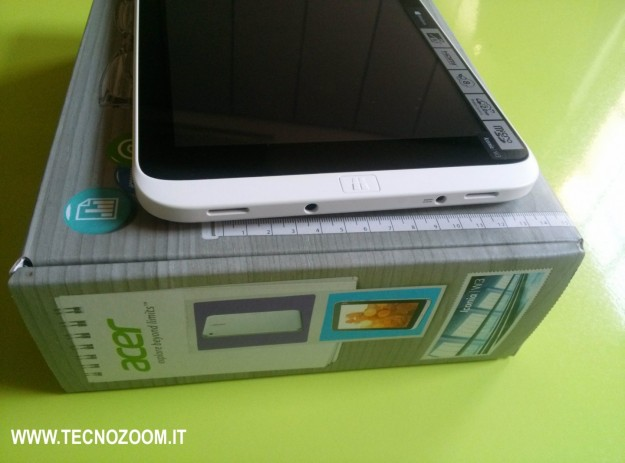 Acer Iconia W3 ingressi