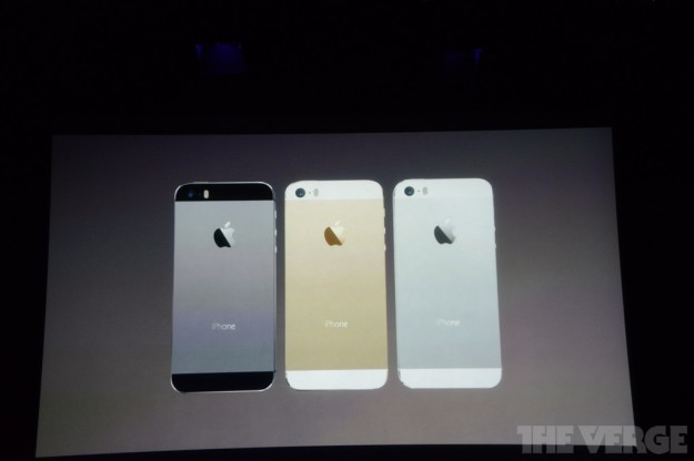 iPhone 5S colori argento, space grey e oro