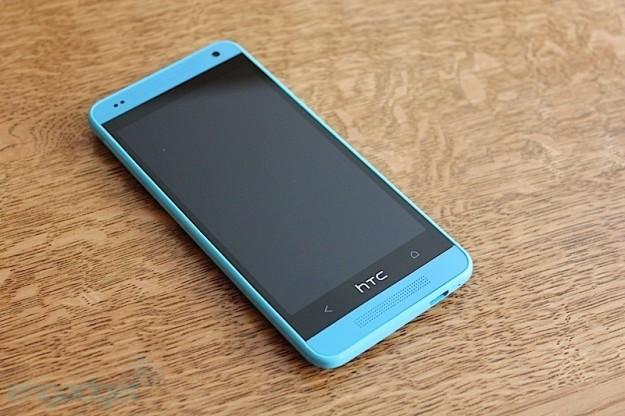HTC One Vivid Blue schermo touch