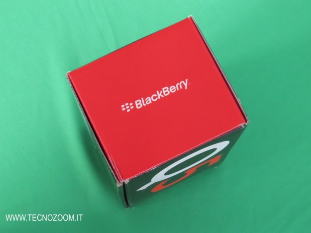 Blackberry Q5 Box