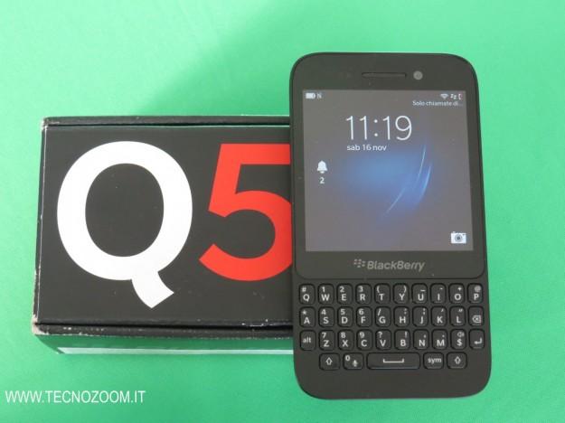 Blackberry Q5 e confezione