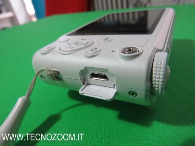 Samsung WB250F ingresso microUSB