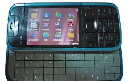 Nokia 5730 XpressMusic: terminale con tastiera QWERTY a scomparsa