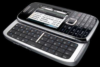 Nokia E75: con Nokia Messaging tutte le e-mail in uno smartphone