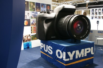 Olympus E-450: in anteprima al Photoshow 2009