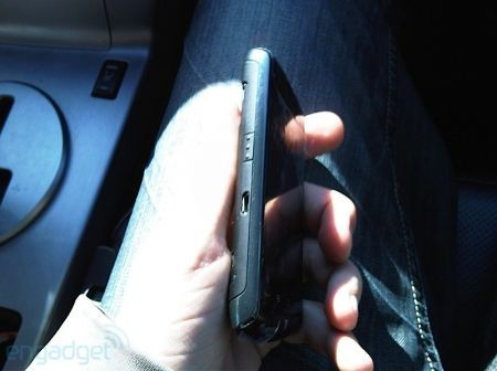 BlackBerry Storm 2: nuove foto svelate