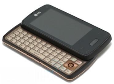 LG Monaco: smartphone con Windows Mobile 7, tastiera QWERTY e micro proiettore
