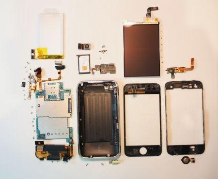 iPhone 3GS: analisi dei componenti hardware in foto