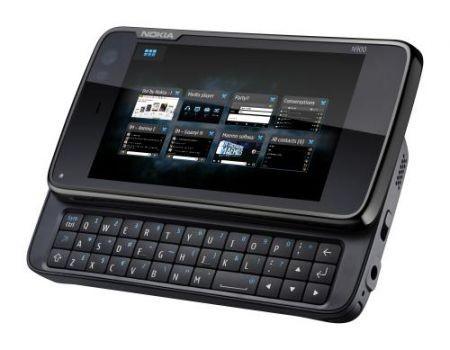 Nokia N900 di raverso con tastiera qwerty