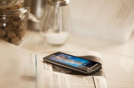 Sony Ericsson Xperia X10: interfaccia, applicazioni contro l'iPhone 3GS in video