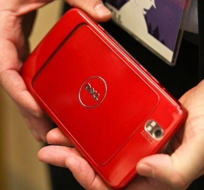 particolare della fotocamera posteriore del tablet Dell