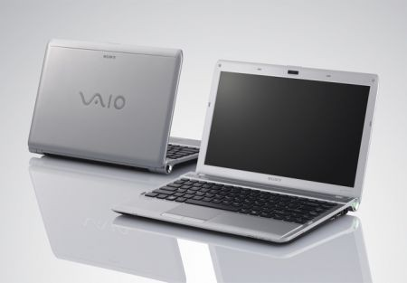 Sony Vaio Y: notebook pratico con batteria a lunga durata