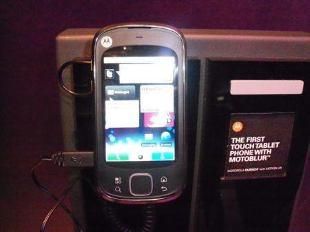 Motorola Quench (Cliq XT) fotogallery al MWC 2010