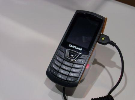 Al MWC 2010: Samsung Monte Slider E2550 e Samsung Monte Bar C3200 foto live